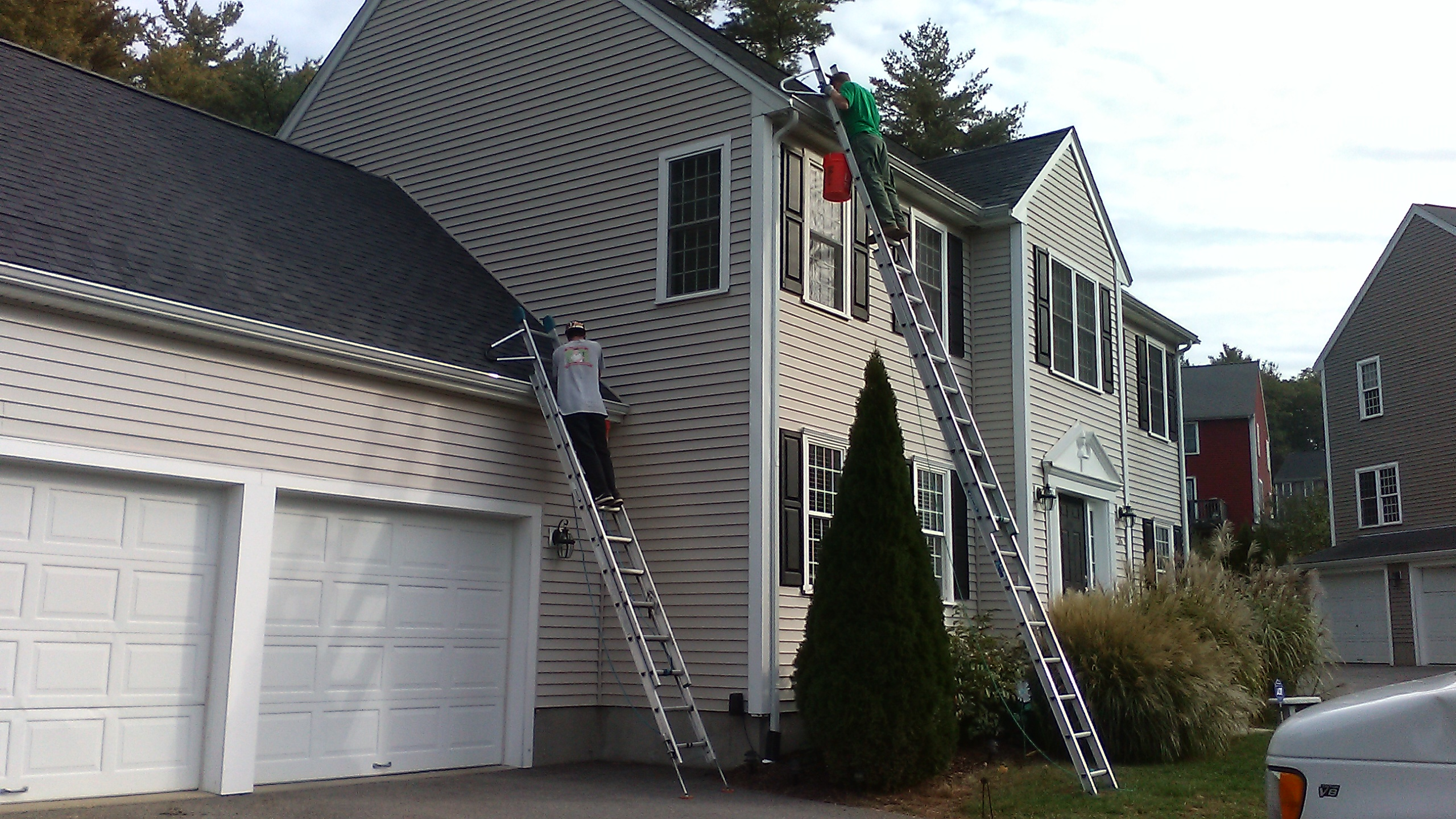 Gutter cleaning - Middleboro